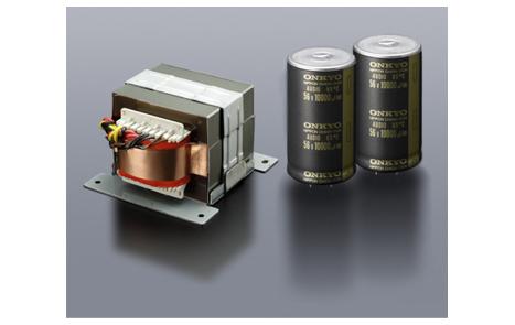 Заказной силовой трансформатор для выдачи больших токов и два аудиофильских накопительных конденсатора