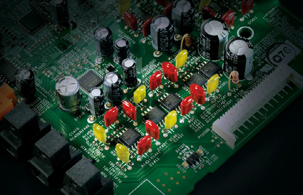7.2-канальный A/V ресивер Onkyo RZ900